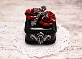 Rosarium Ring Box 2 by Necrosarium