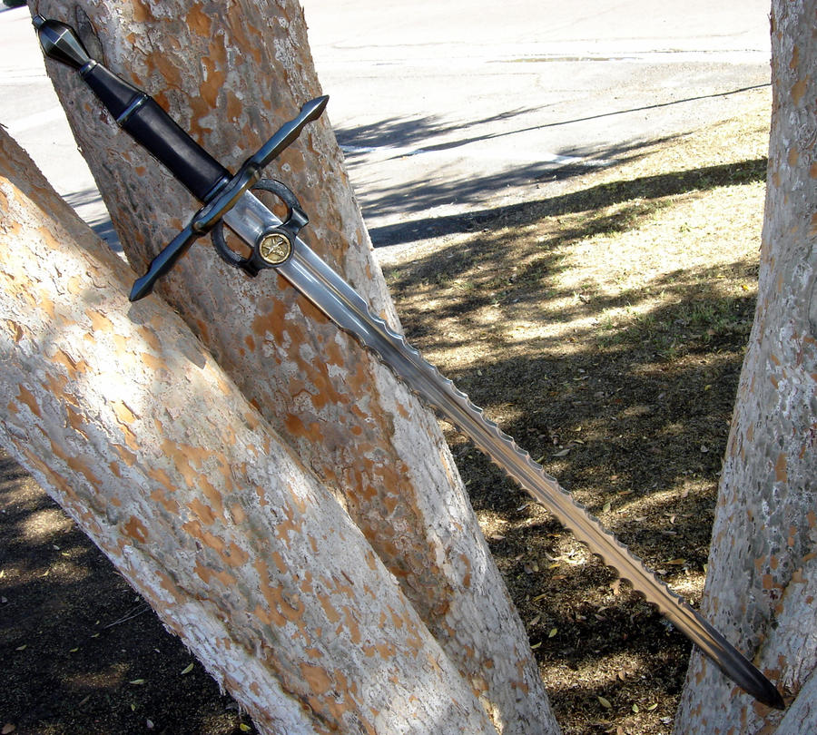 Serrated bastard sword WIP 13 by HellfireForge