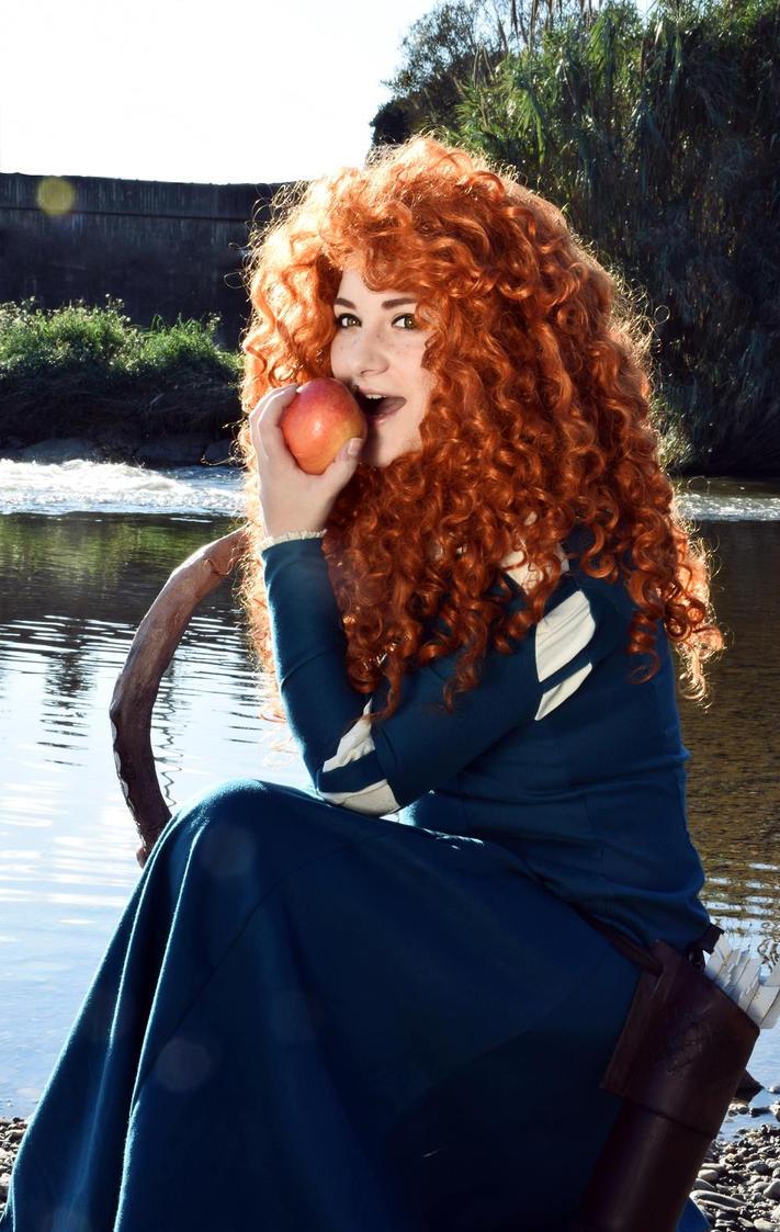 Apple by ArienGreenleaf