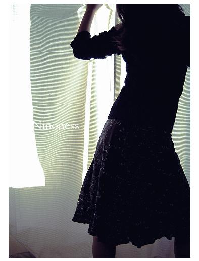 http://fc01.deviantart.net/fs13/f/2007/037/1/4/Dance_by_Ninoness.png