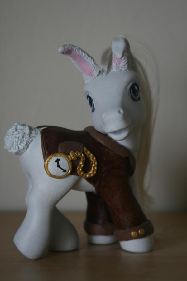 White Rabbit Pony AiW Swap by aquiafin