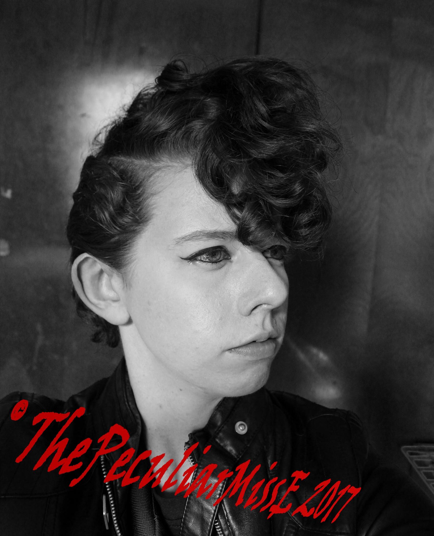 ThePeculiarMissE's Profile Picture