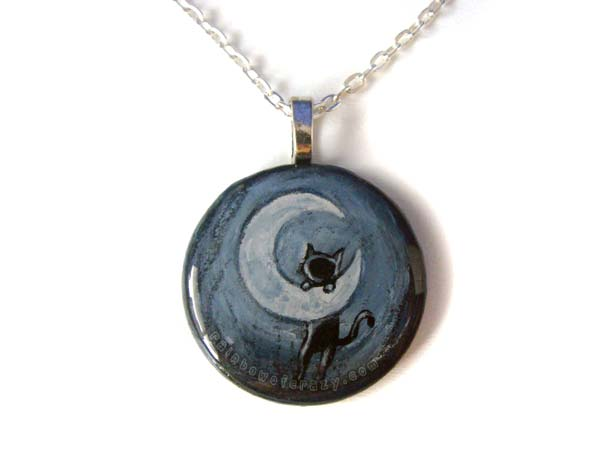 Hang in there, Kitty - Pendant Necklace by sobeyondthis