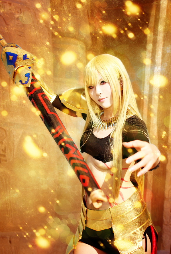 Queen Gilgamesh by 0kasane0