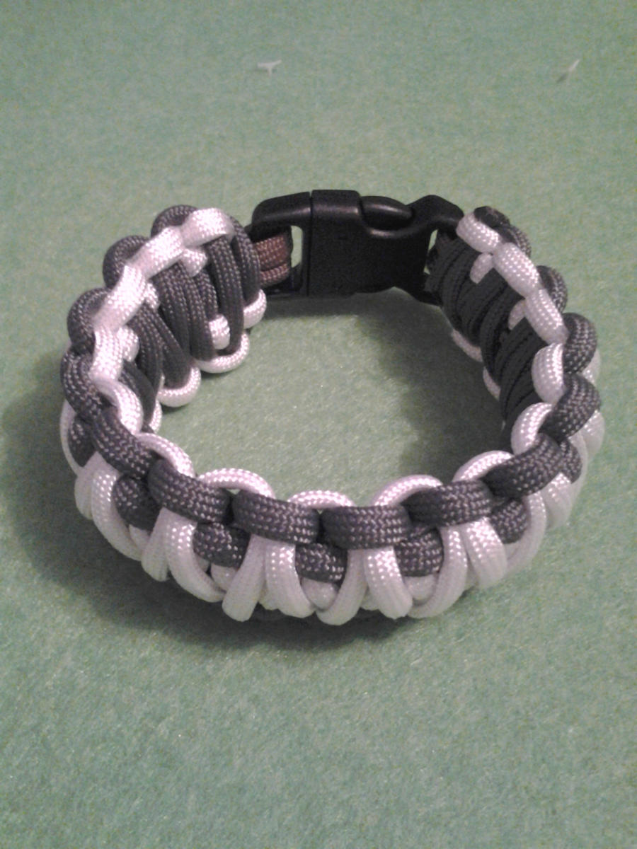 Paracord bracelet by howardhowitzer on deviantart for Paracord wallpaper