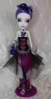 Monster High repaint - Spectra Vondergheist by Strawberryresin