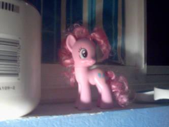 Pinkie Pie's Hair by Jikuaii