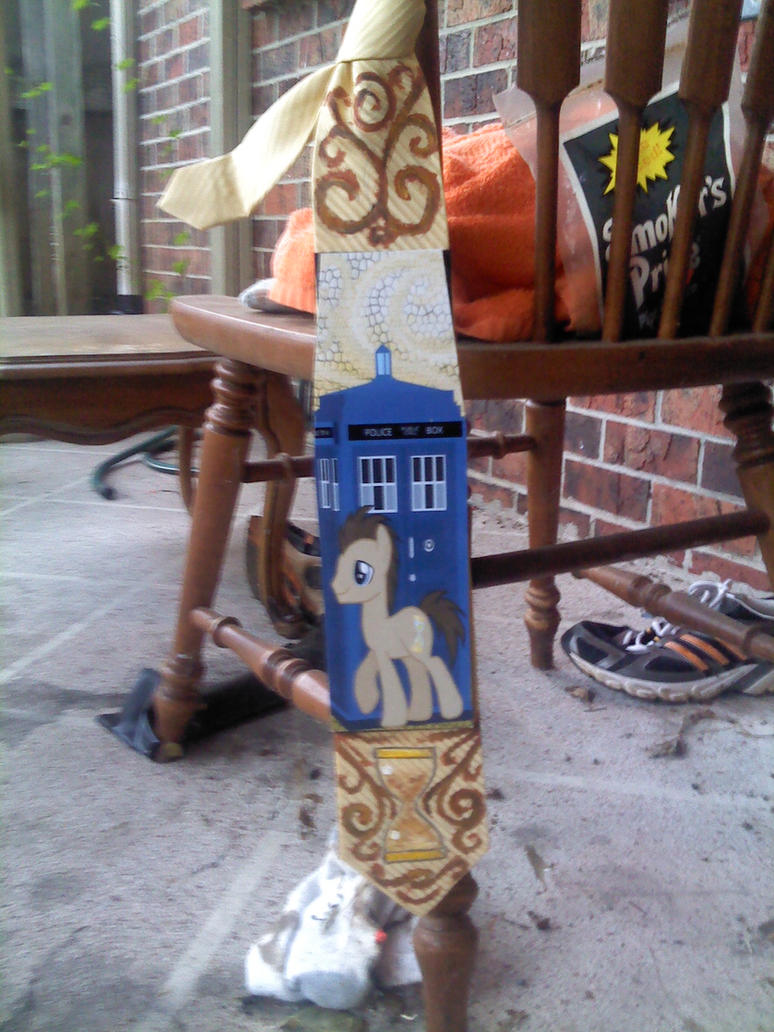 Doctor Whooves tie by raptor007
