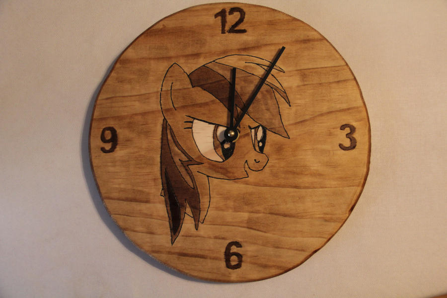 Rainbow Dash Wood Clock by farondk