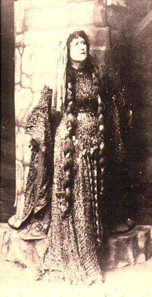 Ellen Terry - Lady Macbeth Green Gown