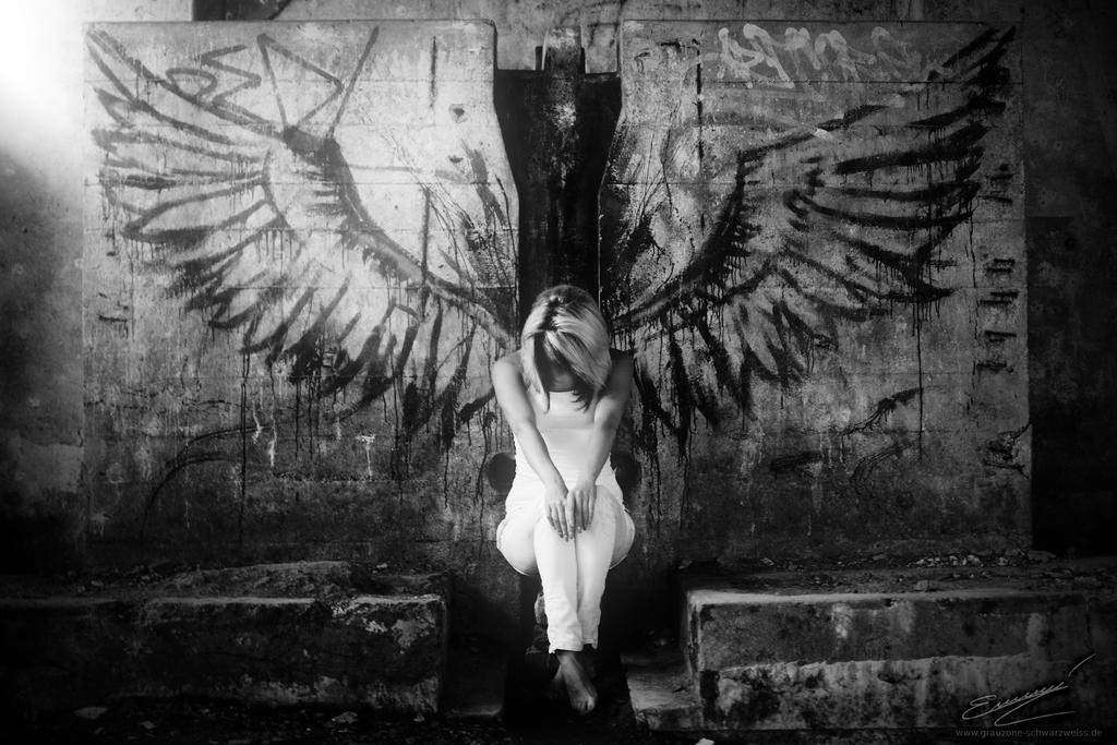Fallen Angel by Ikarusthefirst
