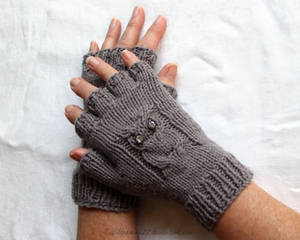 Owl Gloves by Wildphoenix22