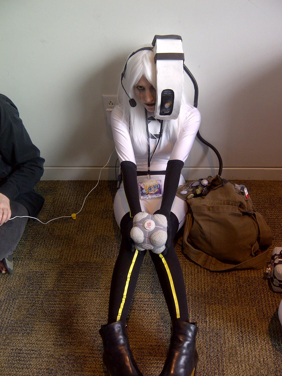 Neko-Con 2012: GLaDOS by LingeringSentiments