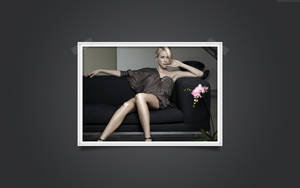Naomi Watts - Couch by icHRis83