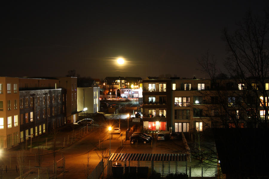 Moon rise by amuz