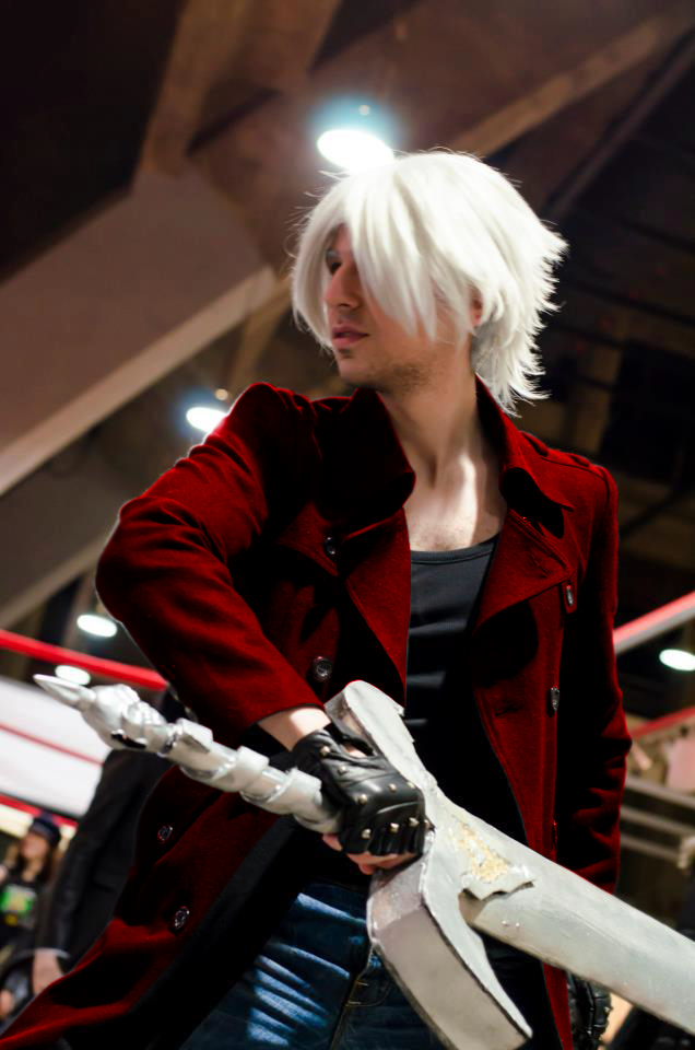 Dante cosplay (custom) by Snakethoot
