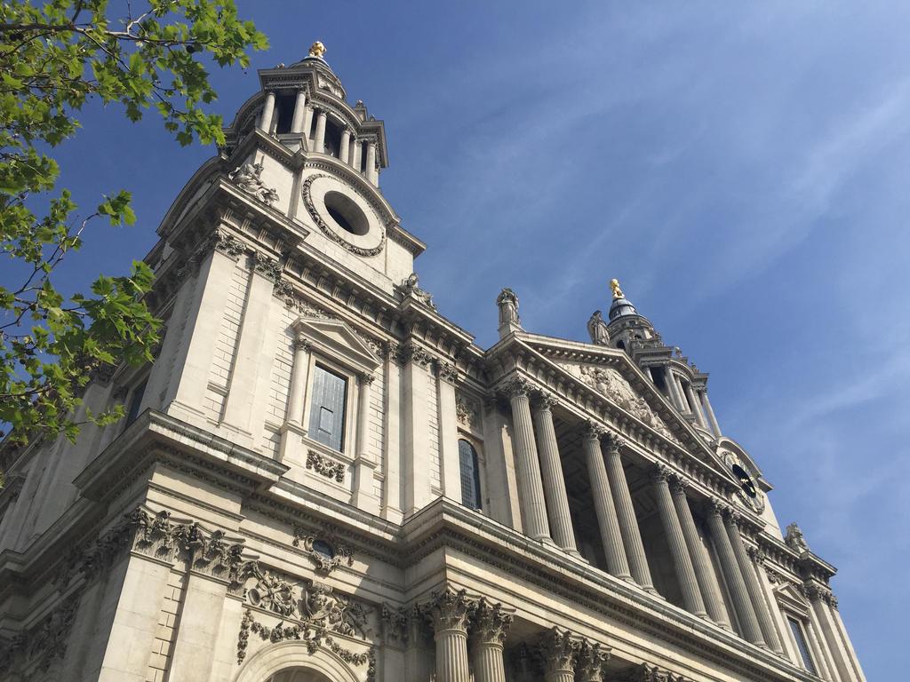 St. Paul's by wickedhollow