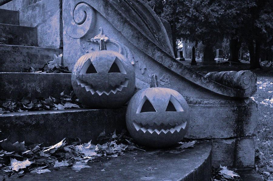 Halloween 2009 Re-edit by tditzgb