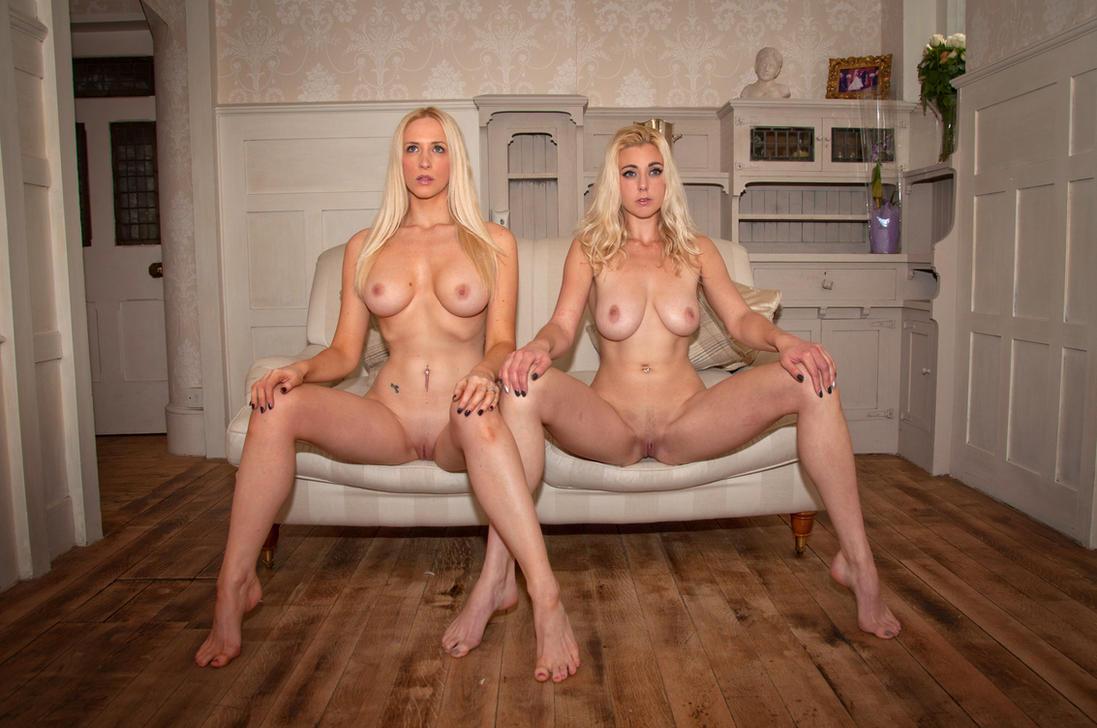 Nude naked nudiarist
