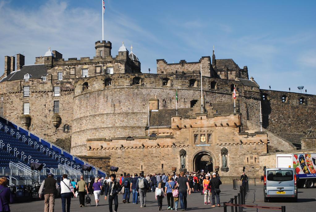 Edinburgh Castle by Pridalic11