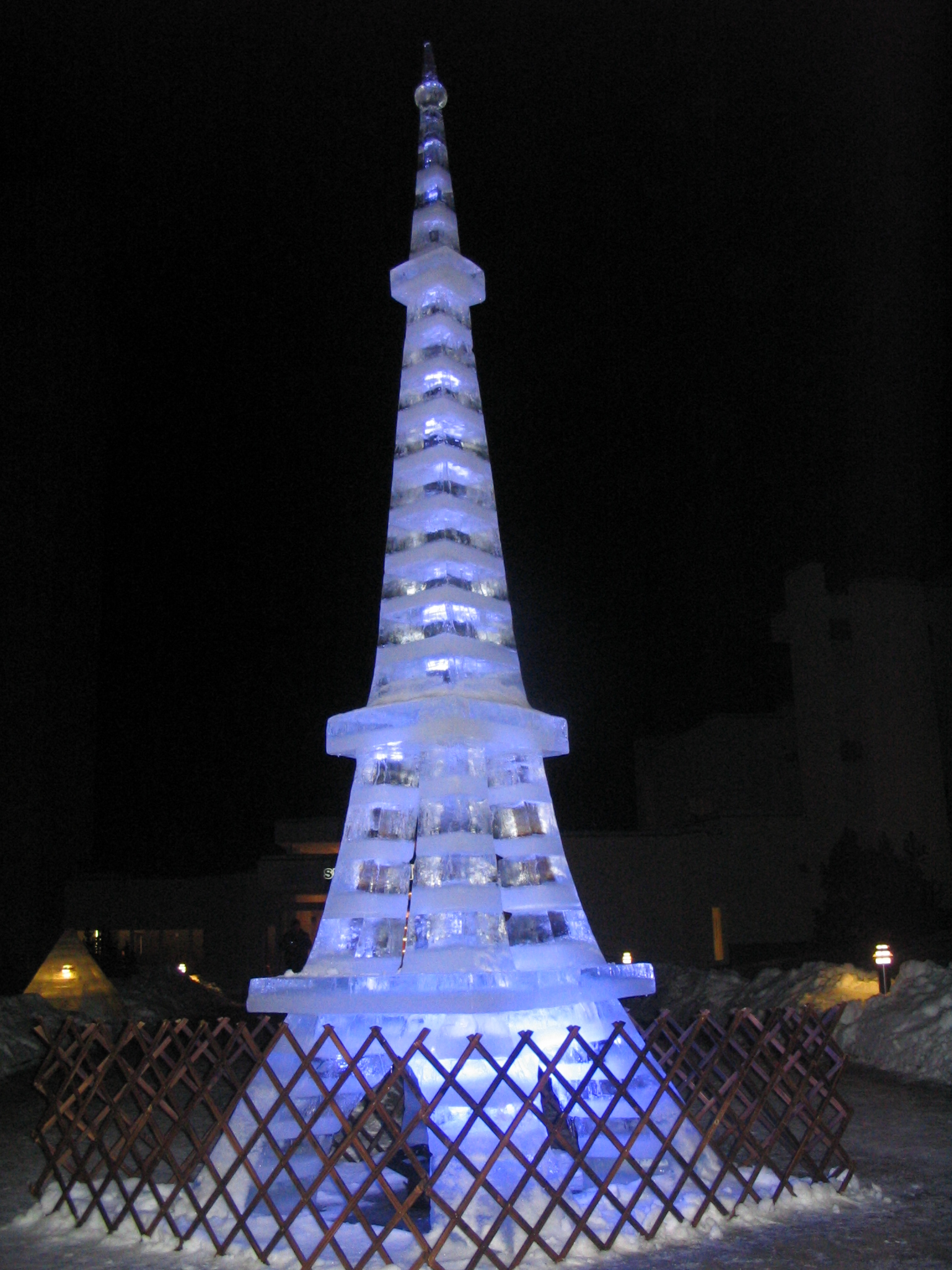 Ice sculpture-Eiffel tower by AWArija