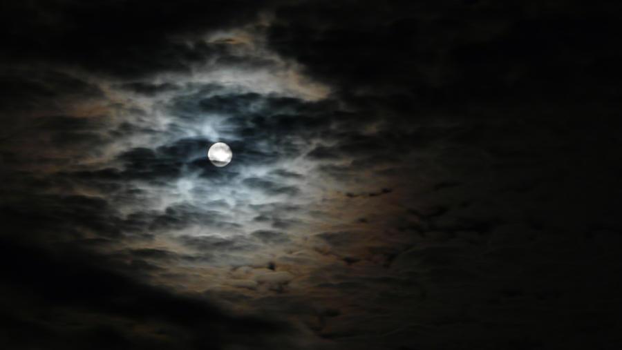 Dark Night - White Moon by DucatiDeluxe
