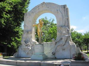 The Strauss monument in Vienna