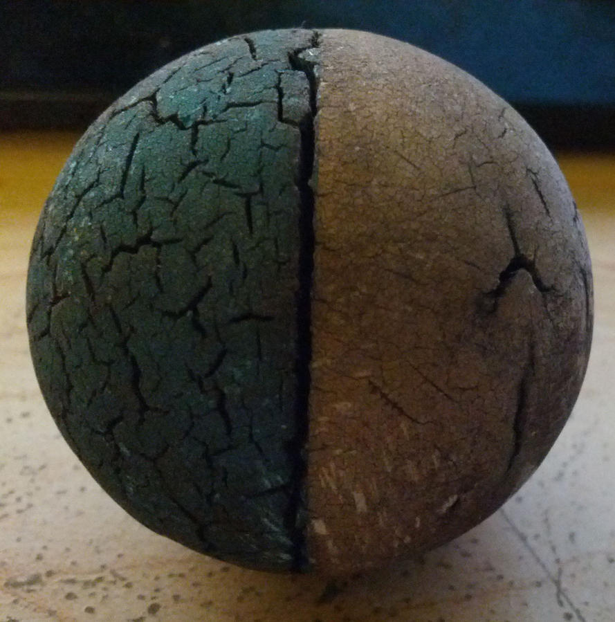 Cracked Rubber Ball by geeknik