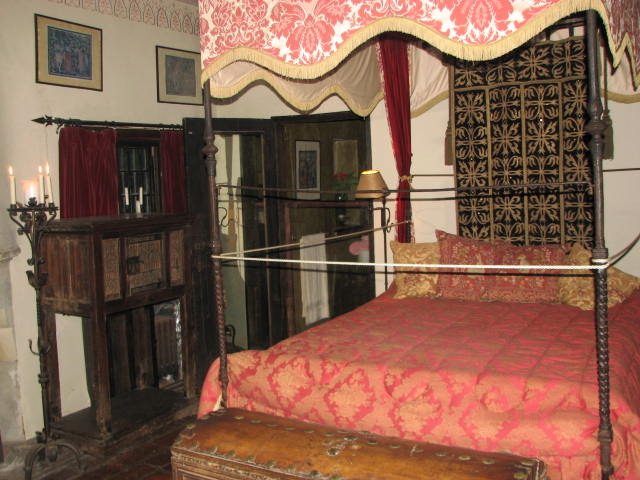 Medieval Bedroom At Hammond Castle By Musicgoddess88 ...