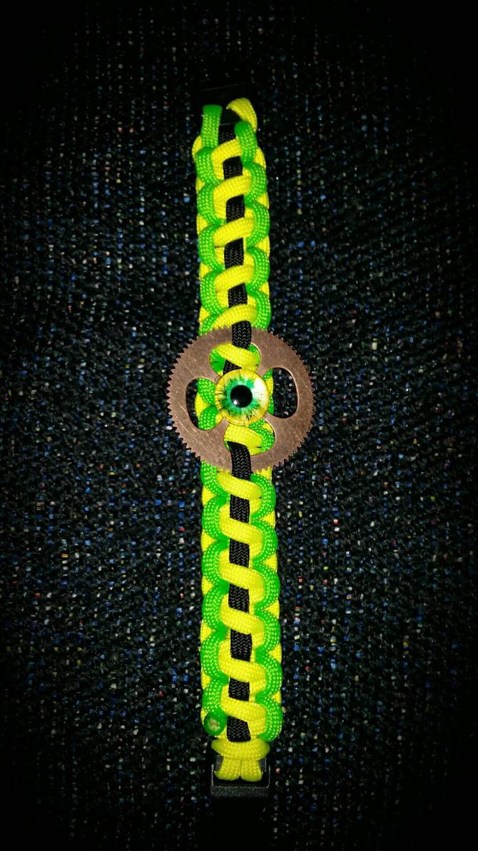 Earth eye paracord bracelet  by LostHawK81