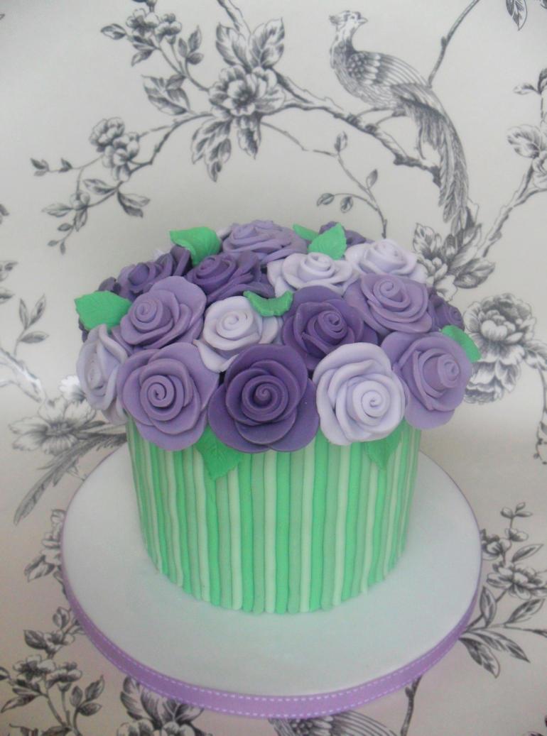 Roses Cake. by RebeccaRoseBrine