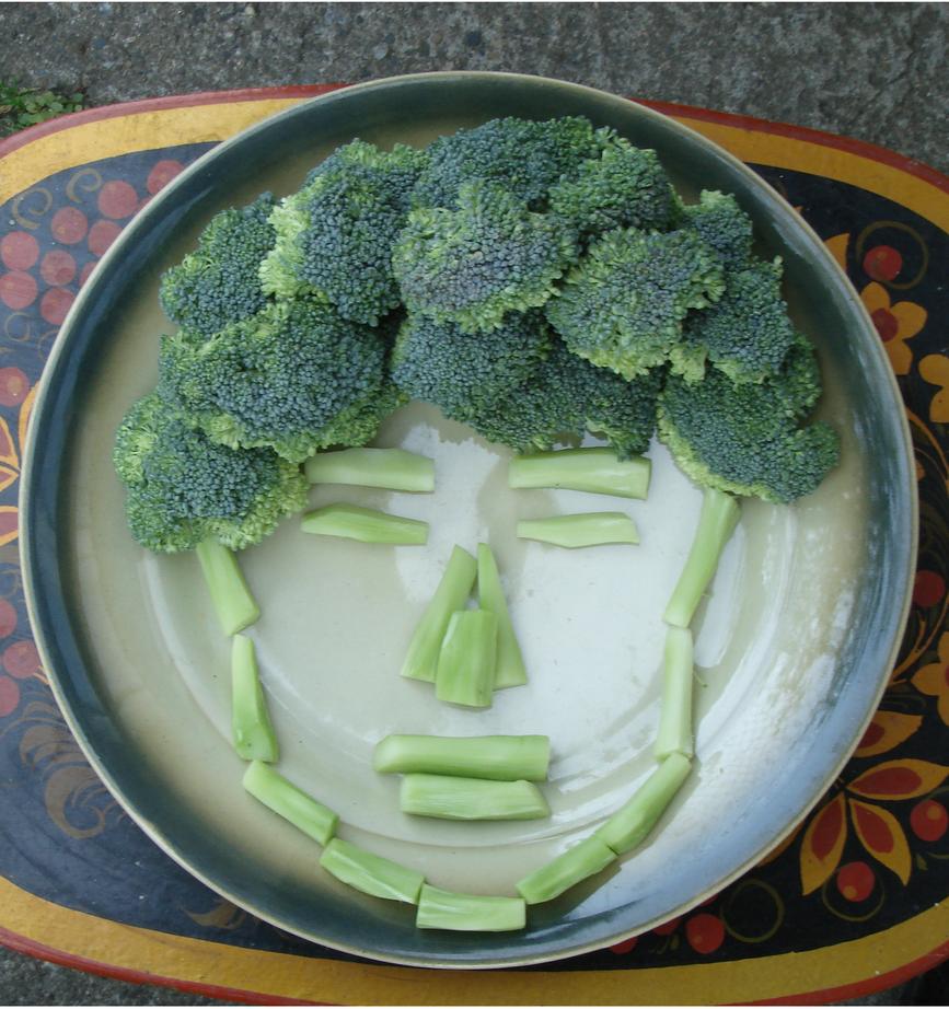 Broccoli face by Weirda208