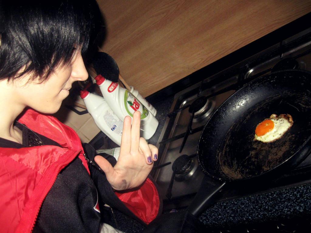 Uchiha Itachi cooks ! by Hannah-ChanCzech