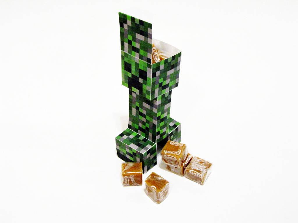 Browsing Folding & Papercraft on deviantART