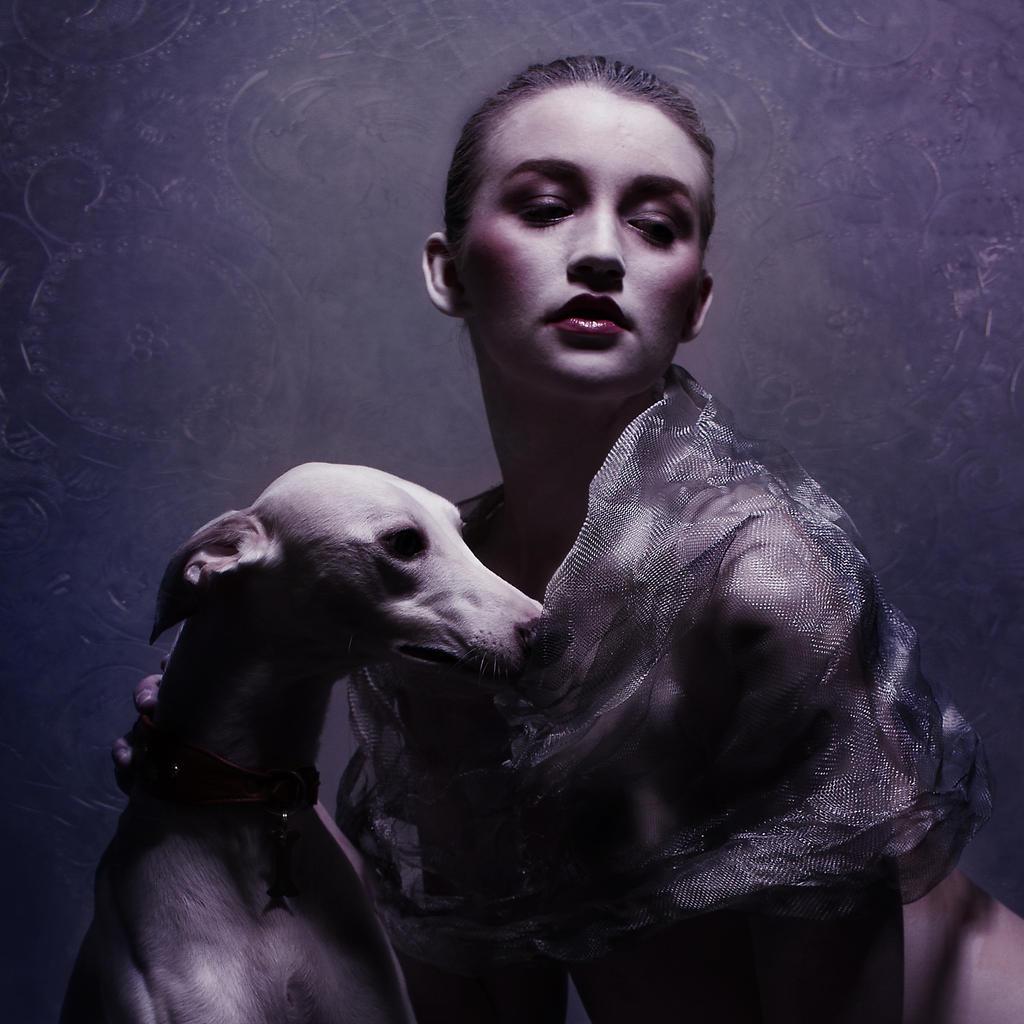 Girl with Dog by Spiegellicht