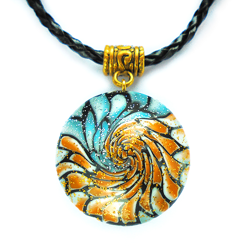 Unusual handmade pendant by Mantuli
