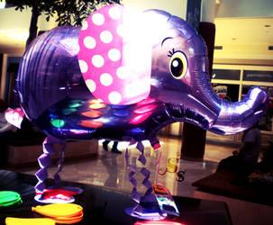Balloon Elephant by LittleMeep