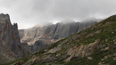 Solemn Jade Peaks