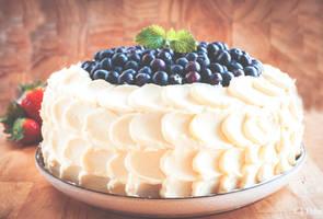 Blueberry and whitechocolat cake
