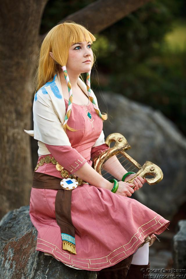 Zelda: Headmaster's Daughter by bekalou-cosplay