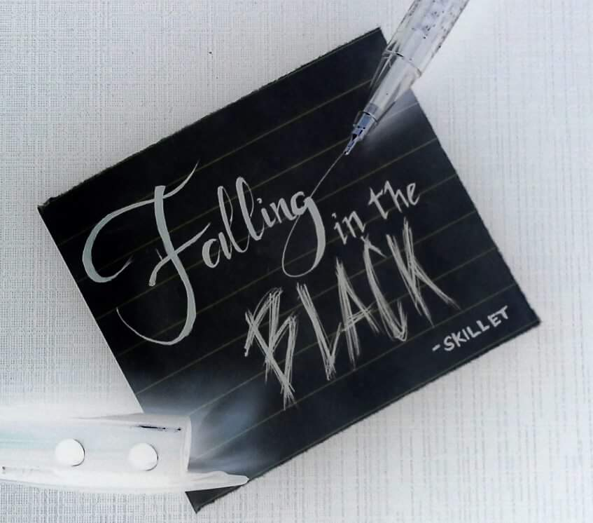 Falling in the Black by ReoAkamine