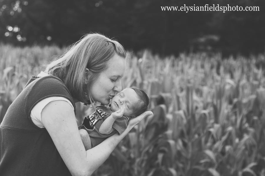 baby Kaleb: kiss by kerrybush42
