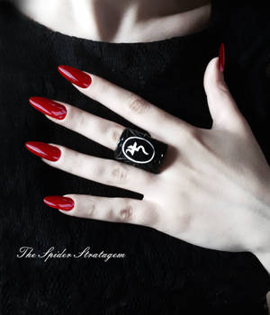 Gothic victorian ring 'Jusa'