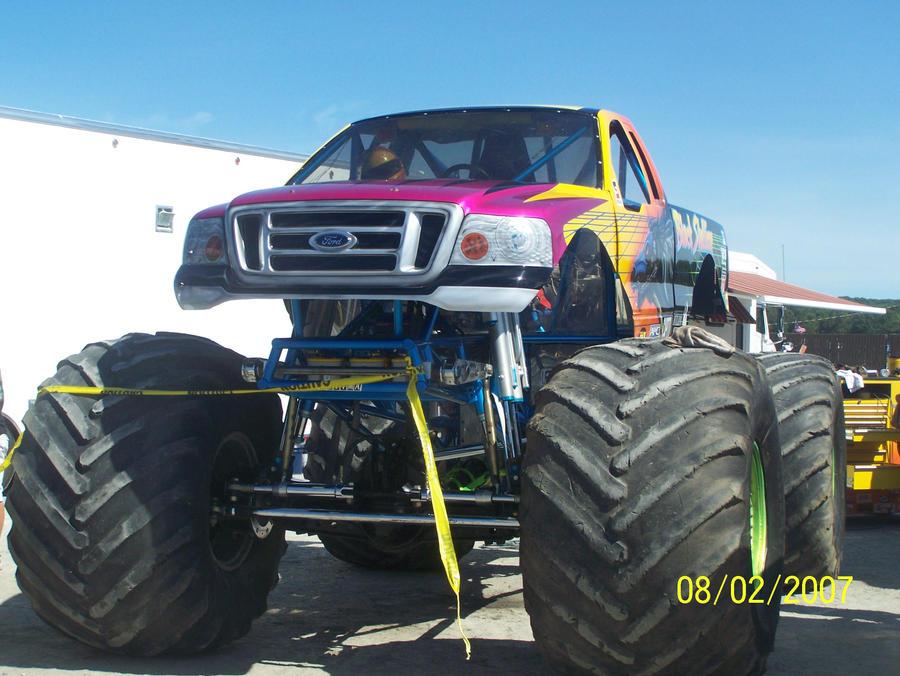 Black Stallion monster truck by jashinist112