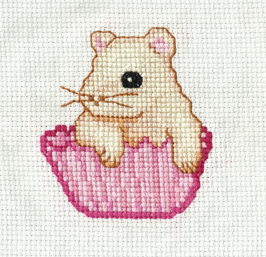 Hamster in the Cupcake ~cross stitch~ by snowyMelon