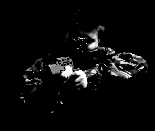 Gunner in the dark by Leeham991