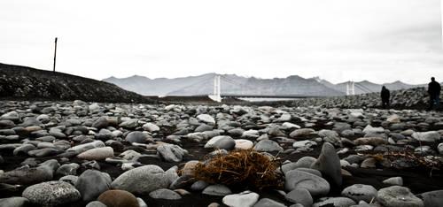 Stony Beach by valkyrjan