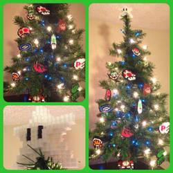 Christmas Tree by eightbitbert