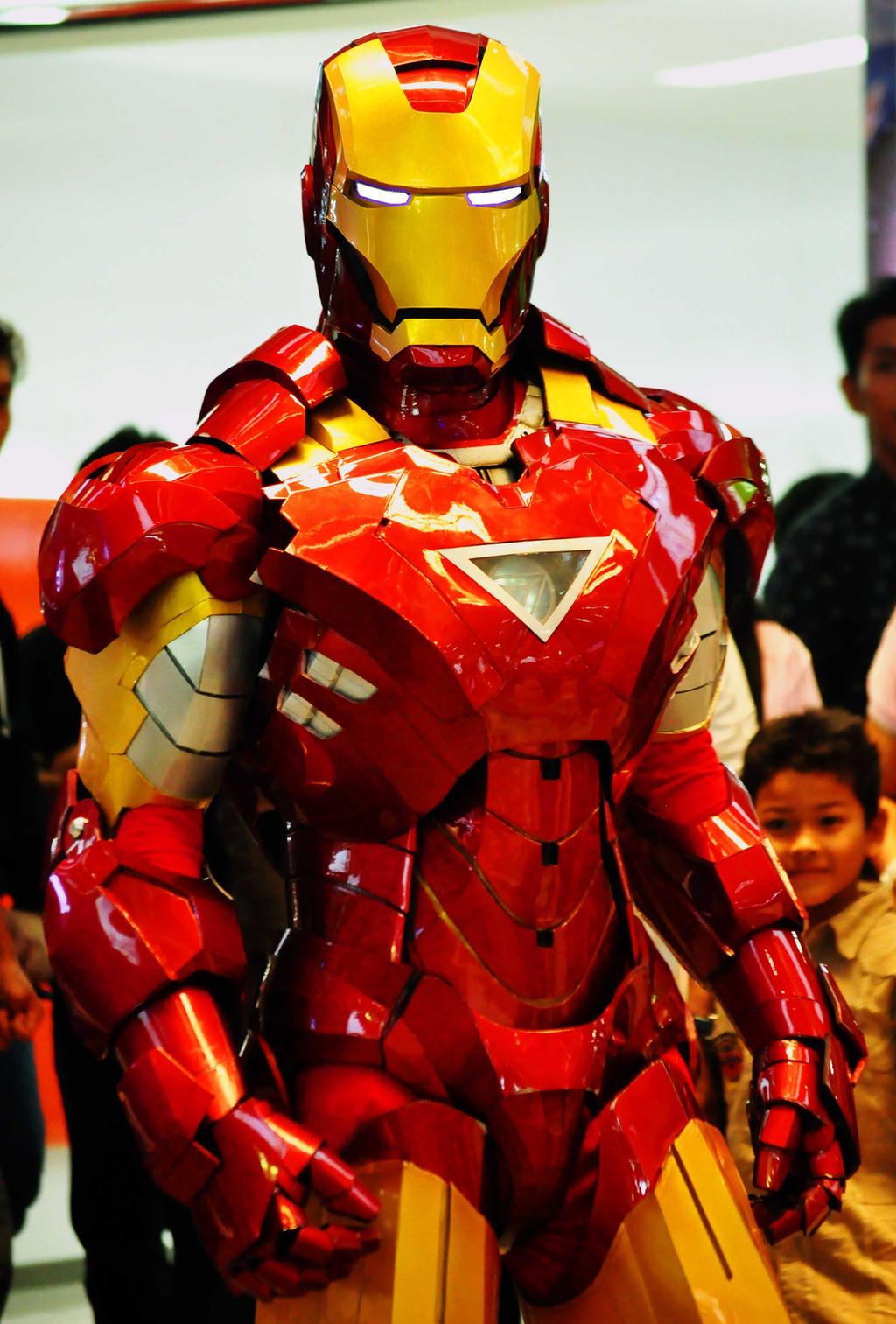 Iron Man 2 Hot Toys Mark VI Iron Man 16 Scale Movie Masterpiece Collectible Figure Review