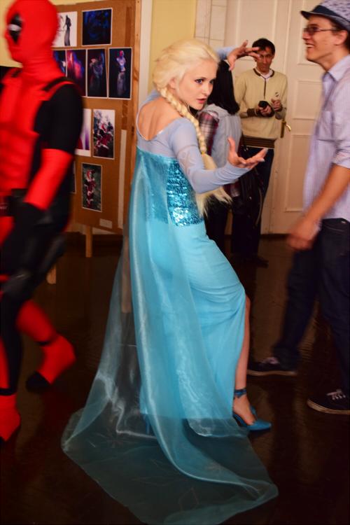 Elsa cosplay 01 by AkimoriAkahana